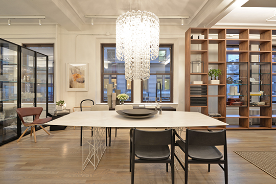 PORRO-NY-WEST-NYC-HOME-2016-DINING-ROOM---SYNAPSIS-NEVE-GARDA