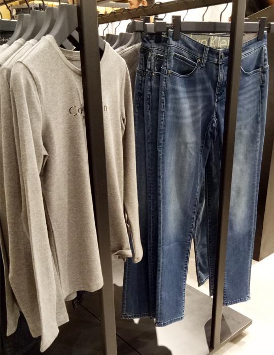 a.6 Calvin Klein Jeans