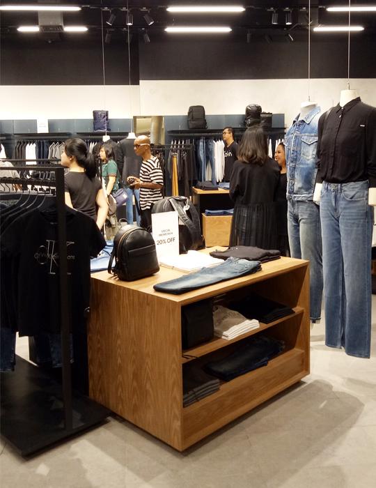 a.7 Calvin Klein Jeans