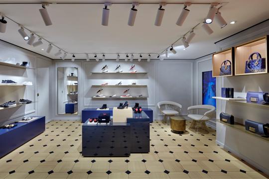 a.1-Dior-Hongkong